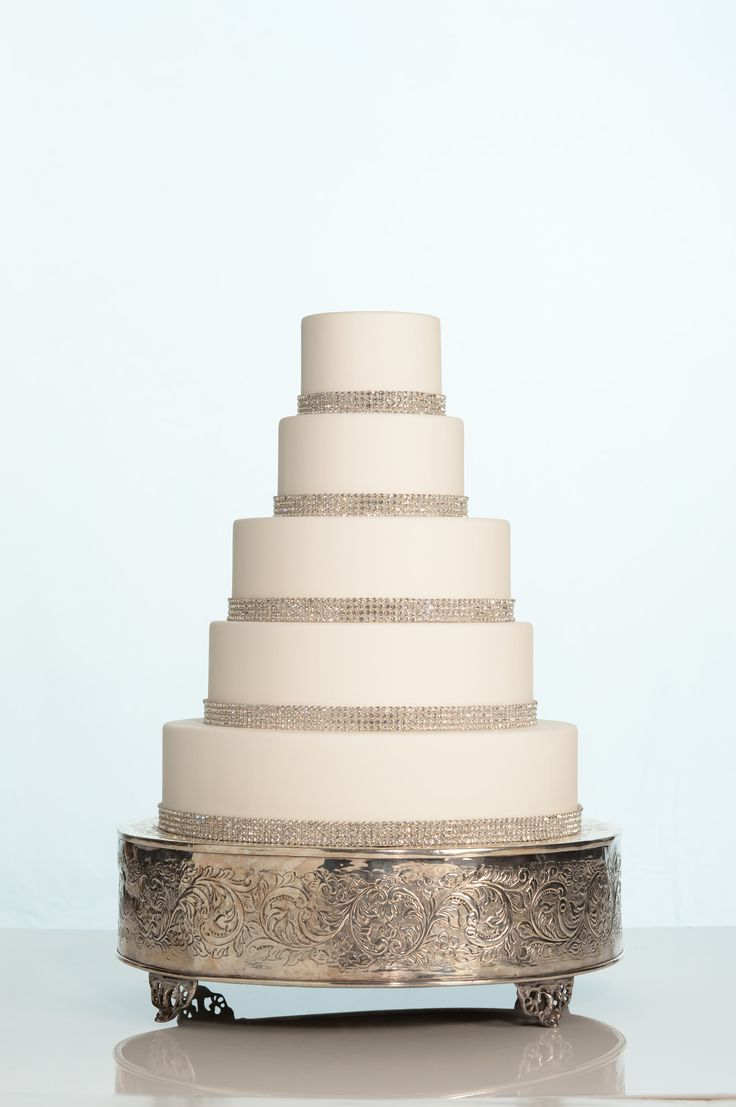 elegant wedding cake stands wedding cake wednesday sparkly bling this week s cake is 13985