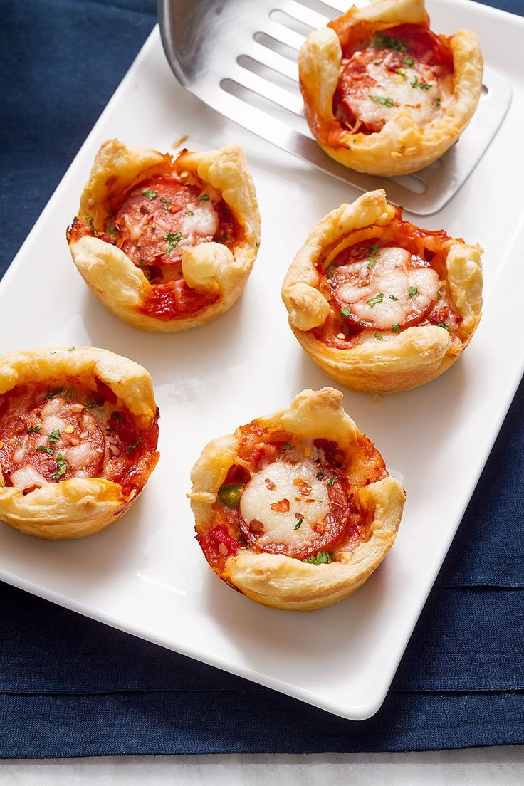 Pepperoni Pizza Puffs - With a crisp puff pastry, bell pepper, mozzarella and pepperoni, every bite is bursting with flavor!