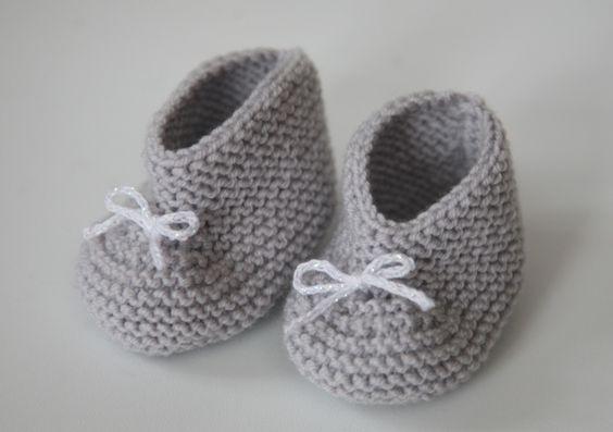 Les petits chaussons pour bébé au tricot | Happy Housewife