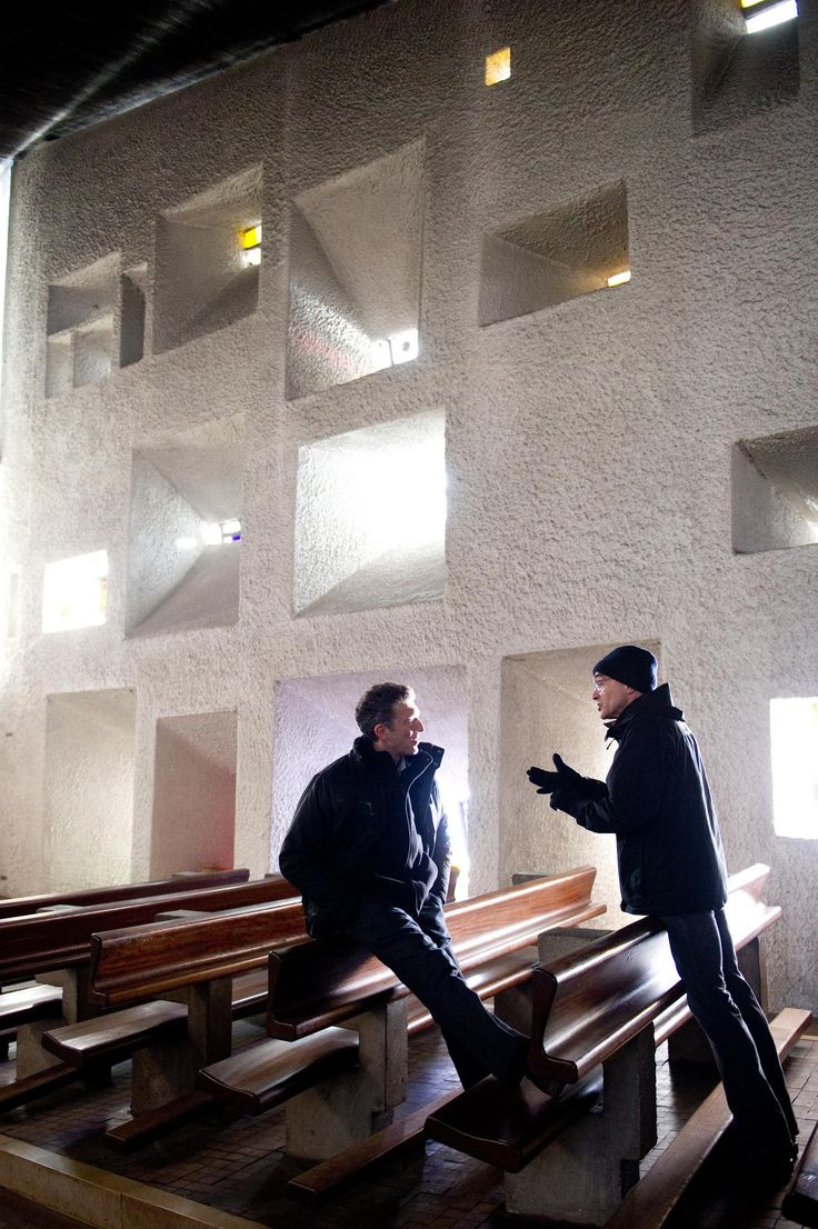 Still of Danny Boyle and Vincent Cassel in Trance (2013) http://www.movpins.com/dHQxOTI0NDI5/trance-(2013)/still-2894569728