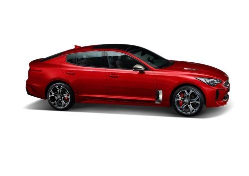 Kia unveils high-performance features of Stinger sports sedan