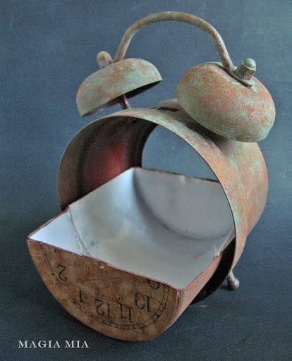 Wildly cool rustic alarm clock planter - Magia Mia - creating the base