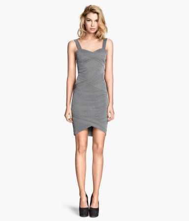 Figure fitting jersey dress with a sheen | H&M GB