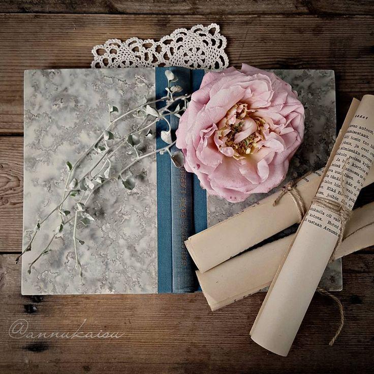 Hyvää lauantai-iltaa🍃🌹🍃Have a lovely evening🍃🌹🍃 #ruusu #rose #rosa #iloveroses #country_stilllife #still_life_gallery #antique_r_us #tv_stillife #tv_retro #jj_still_life #gf_stilllife #rsa_vsco #infinity__magazine_vsco #vintage_shotz #lucky_antique #mystory_shots #snap_ish #super_details_channel #click_vision #click_dynamic #global_ladies #detalhes_em_foco #everything_imaginable_ #9vaga_shabbysoft9 #9vaga_artisticflowers9 #tv_neatly