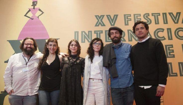 La cinta se basa en la vida de Rosario Castellanos, una de las escritoras más importantes de la literatura mexicana del siglo XX. Nos remonta a momentos de su juventud ...