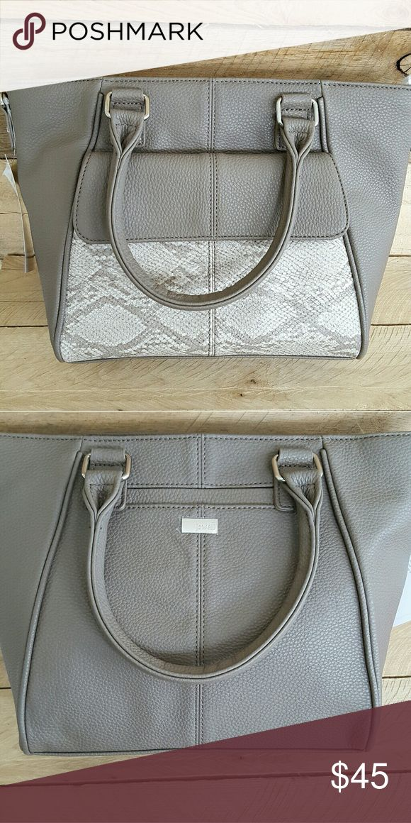 Thirty-one mini diamond district purse - new Brand new never used thirty-one mini diamond district purse comes with shoulder strap Bags Shoulder Bags