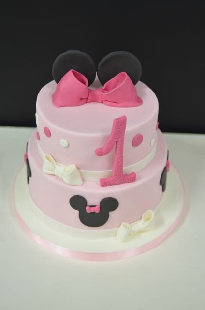 Tarta Minnie Mouse elaborada por The Cake Project en Madrid