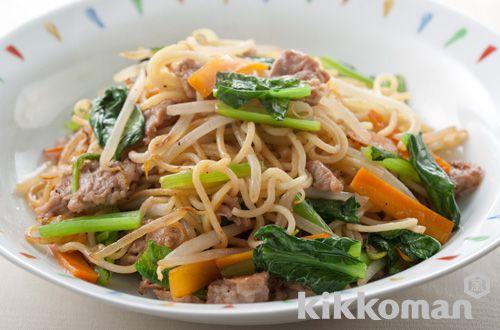 青菜と豚肉の中華風焼きそば  しょうゆとオイスターソースが香る
