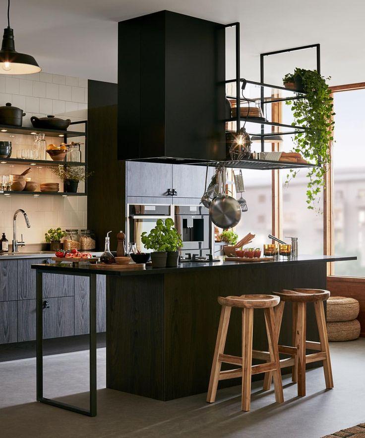 """119 gilla-markeringar, 4 kommentarer - LEVA&BO (@levaobo) på Instagram: """"Trendigt i vår! Med nya köket Malevik kan du kombinera vitrinskåp med takhängda hyllor och en…"""""""