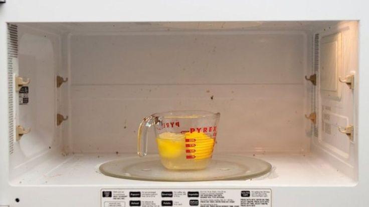 Πως ένα λεμόνι μπορεί να καθαρίσει το φούρνο μικροκυμάτων σας