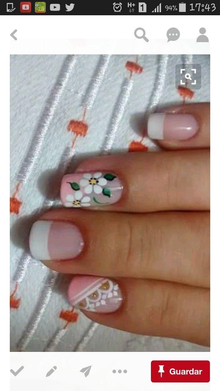 uñas frances salmon rosa flores blancas