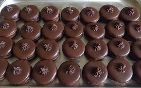 Išlské dortíčky s čoko krémem. Vánoce bez těchto koláčků nejsou Vánocemi.