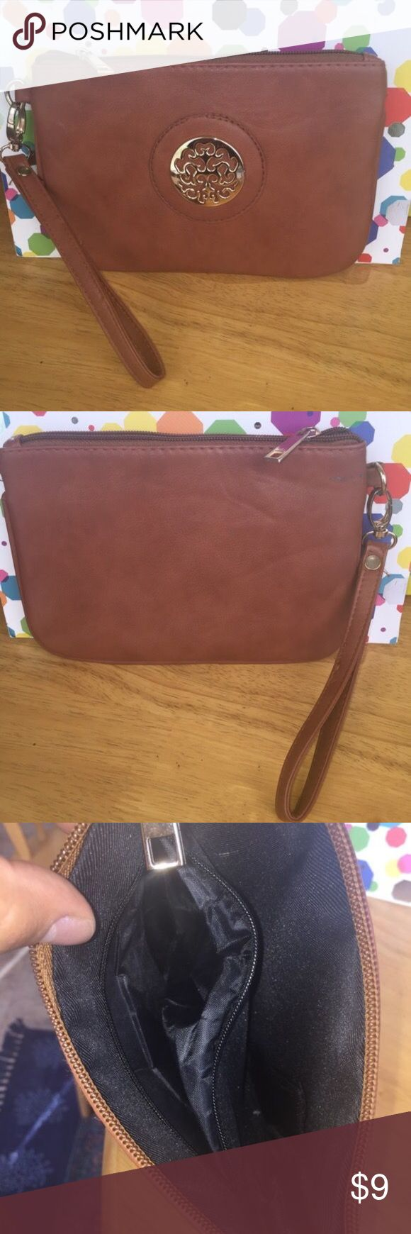Brown clutch Great condition brown clutch Bags Clutches & Wristlets
