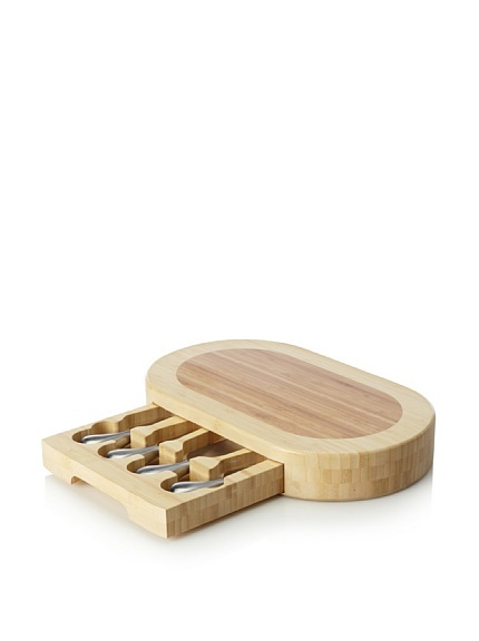 Cheese cutting board with knife pull out