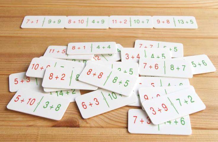 Dominó con sumas equivalentes para practicar el cálculo mental. Ver en http://aprendiendomatematicas.com/tienda/home/497-domino-sumas-equivalentes.html