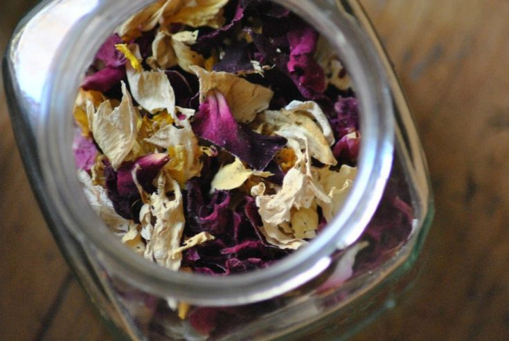 3 balancing herbal recipes for bodies in pain