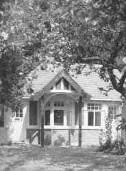 Bungalow in the garden of 2 Polstead Road, where Lawrence lived while an undergraduate.