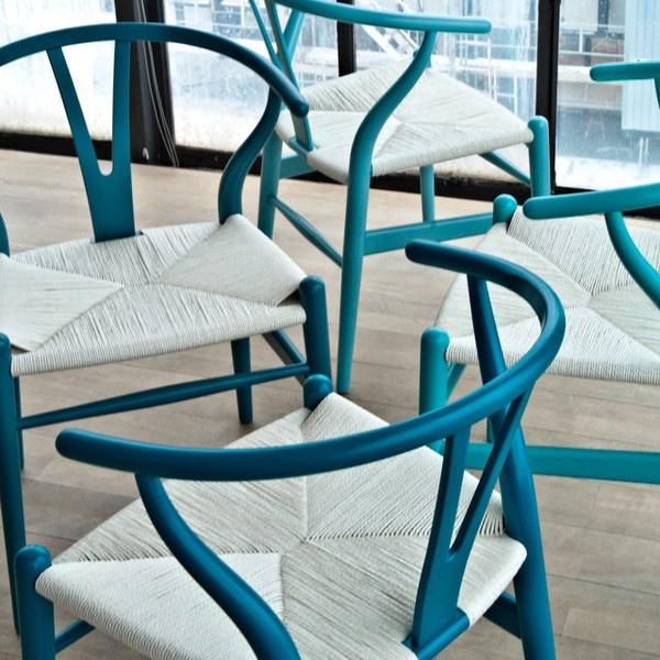 Wishbone chair by Hans Wegner.  #introdesing #chairs #contemporary #furniture #wishbone #hanswegner