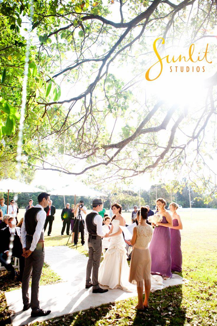 Noosa Wedding photo, Ceremony under a tree