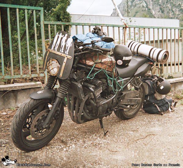 The Survival Traveler :: Yamaha Fazer 600cc. :: RatBike & Pics by: Bastos Gorfo :: Francia