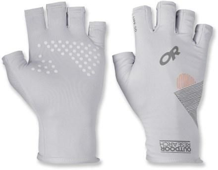 Outdoor Research Spectrum Sun Gloves || Saw a few people wearing these on Mt. Whitney, and I wish I had brought some for sun protection. Next time