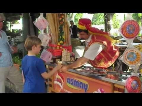 Heladero en Estambul - YouTube  MAGIA