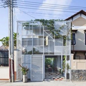 Project area: 100 sqm Building area: 40 sqm Materials: Steel bar, metal sheets Completed: 2013