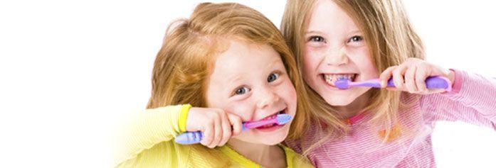 Copilul nu vrea sa se spele pe dinti? 7 trucuri