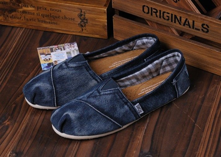 TOMS Outlet! Most pairs are less than $17! OMG!   See more about toms outlet shoes, toms shoes outlet and toms outlet.