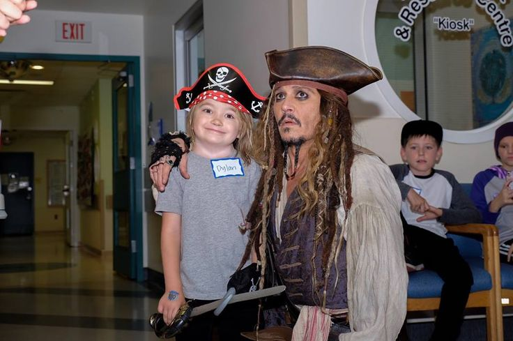 Johnny Depp Makes Surprise Appearance at Children's Hospital