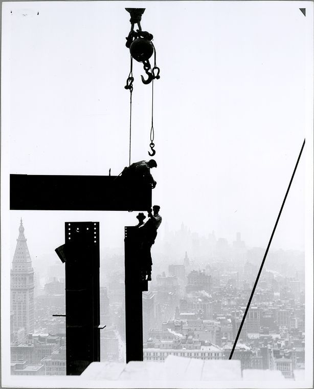 Lewis Wickes Hine,  The Empire State construction.