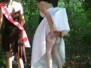 Видео скрытая камера невесты писают, картинки голых девок снимающих с себя одежду