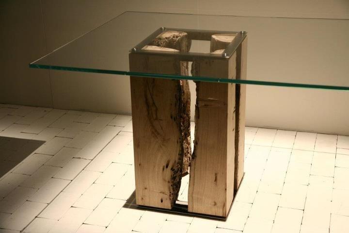 Trend :: Il Salone del Mobile 2012 - Il legno massiccio grezzo in cucina