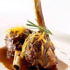 Découvrez la recette Souris d'agneau rapide à l'autocuiseur sur cuisineactuelle.fr.