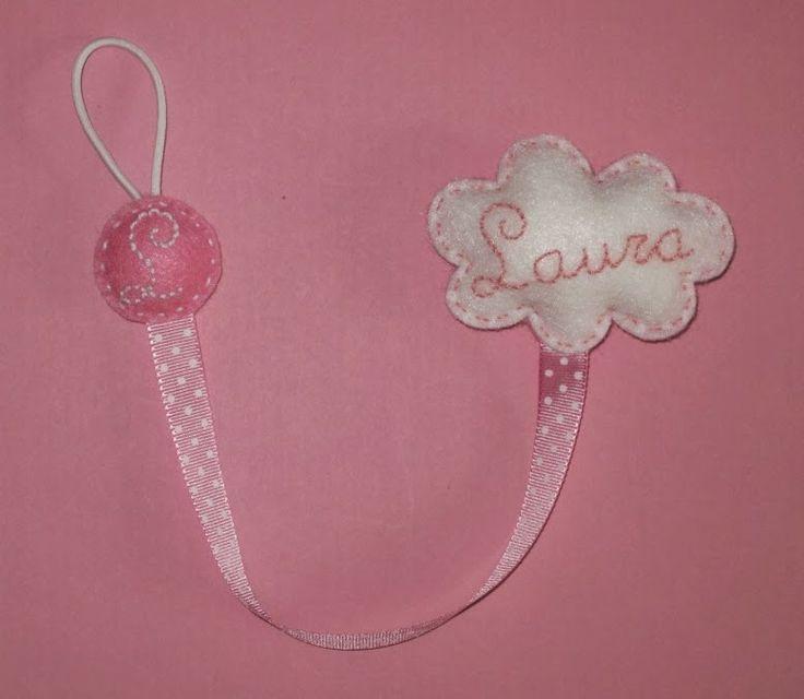cocodrilova: chupetero nube rosa