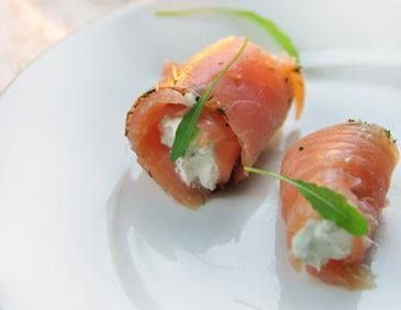 17 best images about dukan pp lunchtime attack on for Smoked trout canape