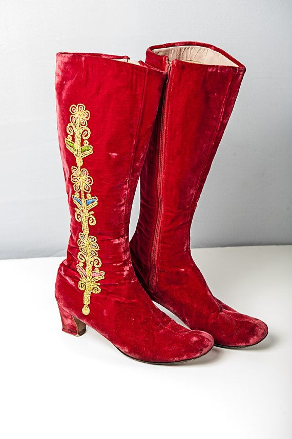 60's Red Velvet Embroidered boots