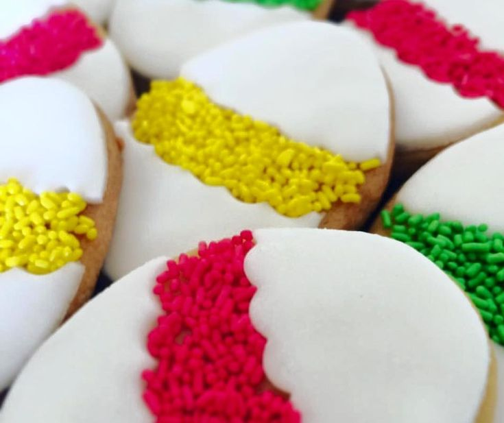 Μετά τα φοβερά Χριστουγεννιάτικα gingerbreads και το απίστευτο κέικ με την κρυμμένη καρδιά στην γιορτή του Αγίου Βαλεντίνου, η Αναστασία Πέγιου ξαναχτυπά και δεν δείχνει έλεος με νέο πειρασμό που μπορείτε να φτιάξετε σήμερα με