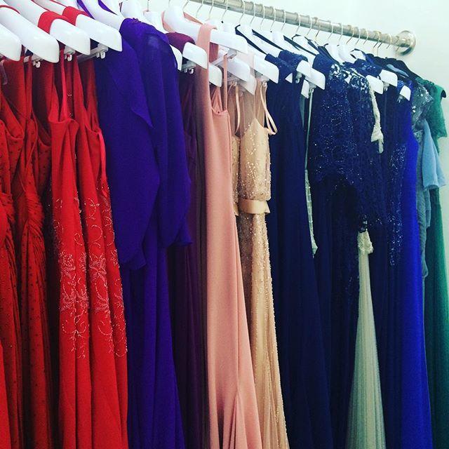 Nos encanta nuestra nueva colección de fiesta! Mil colores y diseños súper originales  #bonairenovias #noviaspalma #bodaspalma #bodasmallorca #palmawedding