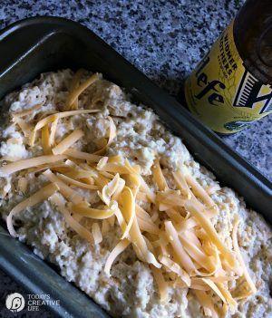 Bierbrot Rezept mit Knoblauch und Käse Knoblauchkäsebrot jeglicher Art ist de …   – recipes to make