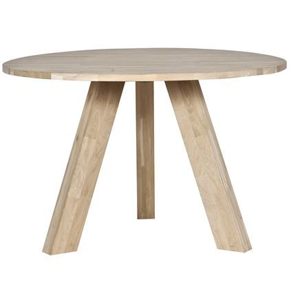 De Woood Rhonda Eettafel --- 130 cm, 400 euro  is een mooie, houten eettafel. De ronde vorm zorgt voor een supergezellige setting! Combineer deze toffe tafel met een paar moderne eettafelstoelen en een mooie vaas met bloemen.