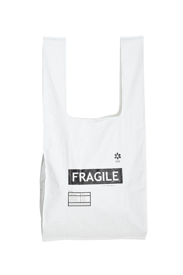 LARGE TYVEK BAG FRAGILE | DESIGNERS \ Ueg Accessories \ Handbags \ fabric Accessories \ Handbags \ shoulder bags Accessories \ All Accessories Handbags BLACK AND WHITE | MOSTRAMI.PL