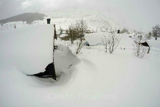 Más de dos metros de nieve sepultan Maraña e impiden a parte de sus vecinos salir de casa - ileon.com