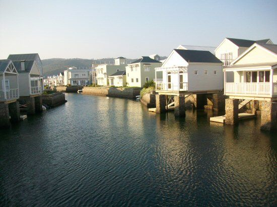 A luxury self-catering three bedroom house on Thesen Island in the Knysna lagoon. The clear water is full of marine life and the harbour town is drumming with activity.