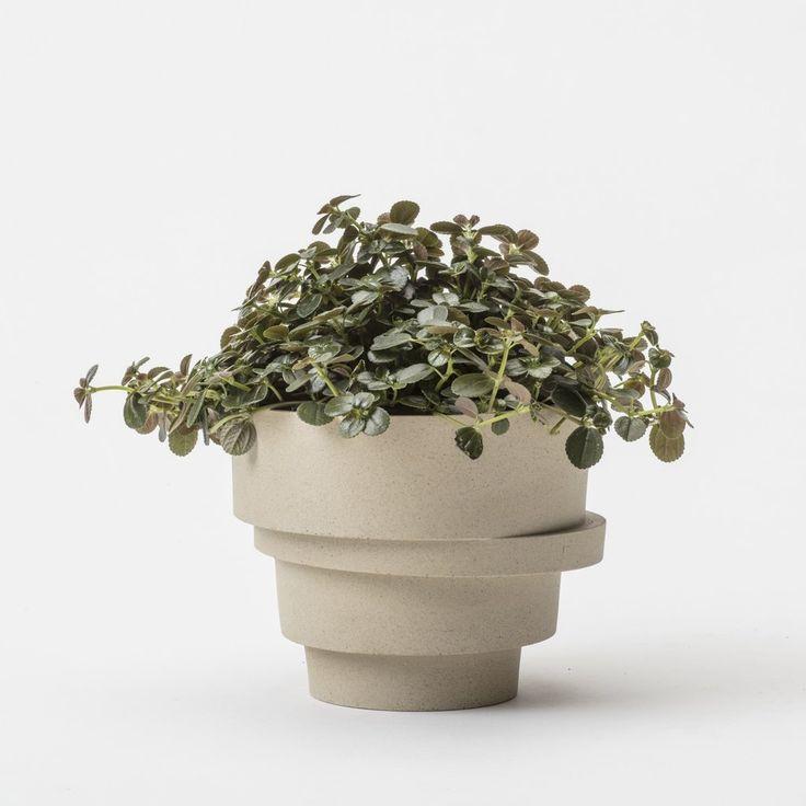 The big stacked flowerpot (unglazed)