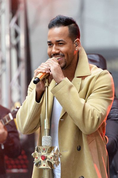 Romeo Santos - GMA.  That smile. ❤️