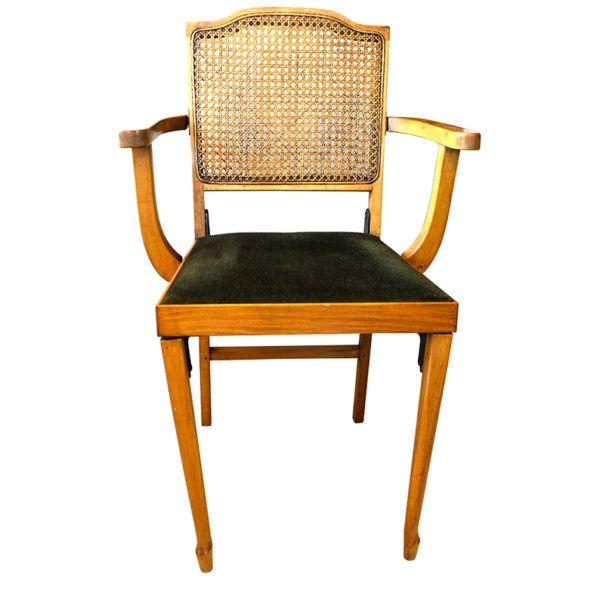 Silla Vintage Plegable    Inusual y rara silla Regency estilo plegable de madera de Haya, con brazos altos, asiento de felpa verde y respaldo en enjuncado.