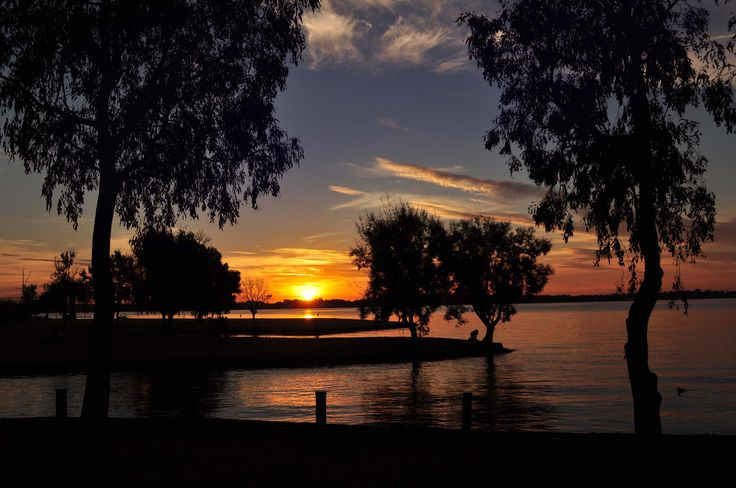 lake mulwala sunset australia