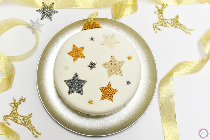 💫✨  #star #christmasball #christmasballcake #christmascake #golden #silver #christmas #happyholidays #decorations #santaclaus #xmas #merrychristmas #bolosedesejos #cakedesign #cake #foodpics #tasty #delicious #dessert #dessertporn #dessertgram #dessertlover #instagood #instacake #cakedesigner #desserts #amazing