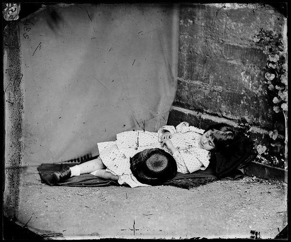 Γνωρίστε την πραγματική Αλίκη στη Χώρα των Θαυμάτων (photos) - http://ipop.gr/themata/vlepw/gnoriste-tin-pragmatiki-aliki-sti-chora-ton-thavmaton-photos/